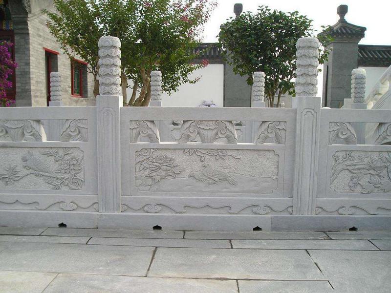 古典石欄桿