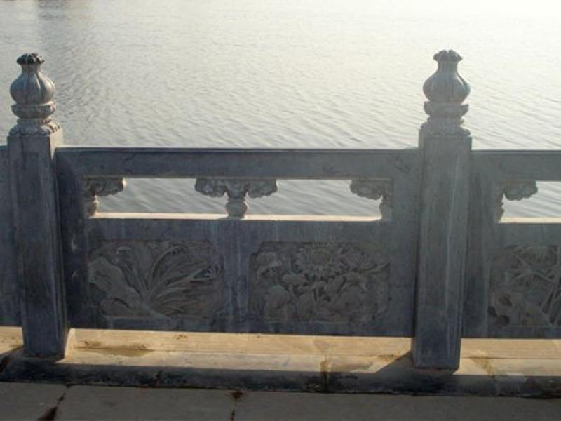 河道青石欄桿