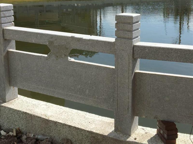 選擇花崗巖石欄桿需注意些什么